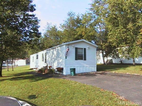 Creekside Crossing Mobile Home Park in Newcomerstown, OH