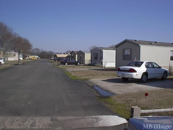 Photo of Midway Mobile Home Community, Claremore, OK