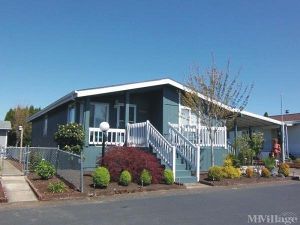 Green Tee Mobile Home Park in Gresham, OR