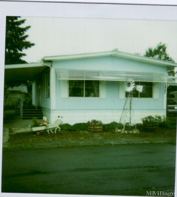 Photo 0 of 1 of park located at 3760 Sunshine Circle Hubbard, OR 97032
