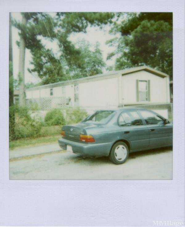 Lakewood Mobile Home Park Mobile Home Park in Columbia, SC