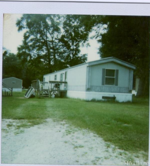 Photo of Pine Oaks Mobile Home Park, Beaufort, SC