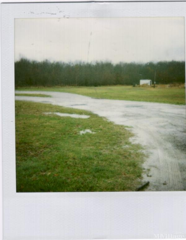 Photo 0 of 1 of park located at 1240 Oakdale St Manchester, TN 37355