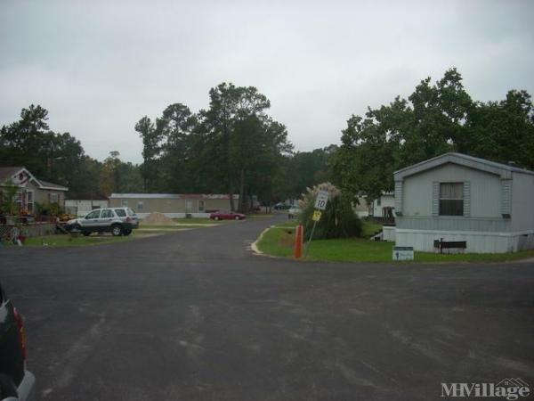 Photo of April Point Mobile Home Park, Huntsville, TX