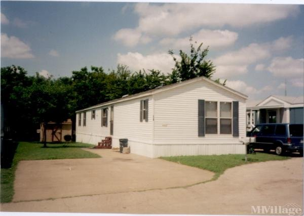 Photo of Avalon Mobile Home Park, Kennedale, TX