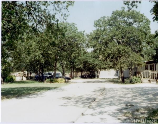 Photo of Pleasant Oaks Mobile Home Park, Joshua, TX
