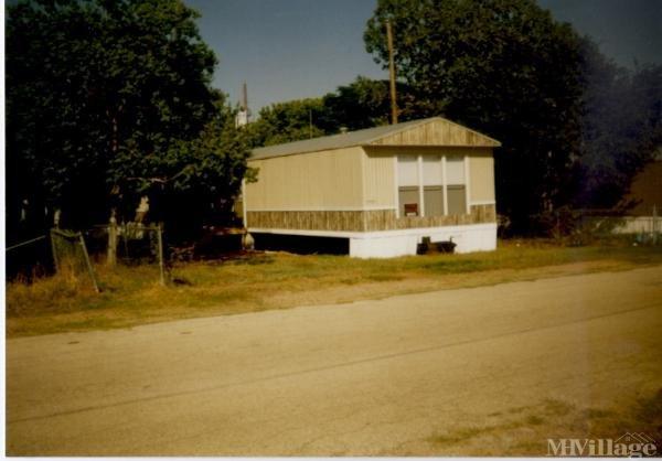 Photo of Countryside Mobile Home Park, Floresville, TX
