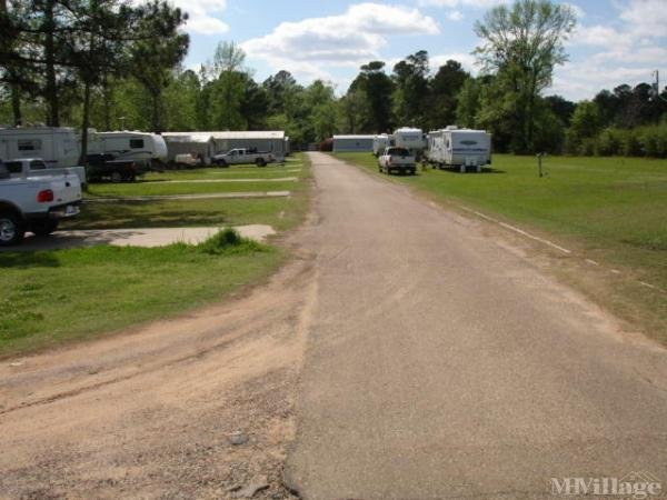 Photo of Holiday Springs Mobile Home Park, Marshall, TX