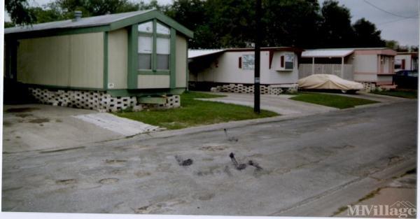 Photo of Kings Manor Estates Mobile Home Park, Kingsville, TX