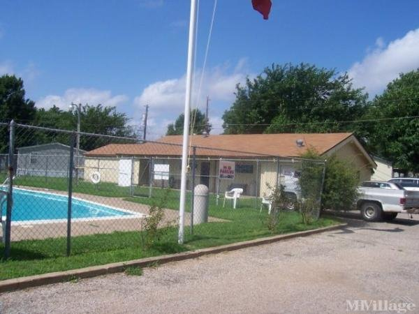 Photo of Meadow Oaks MHP, Irving, TX