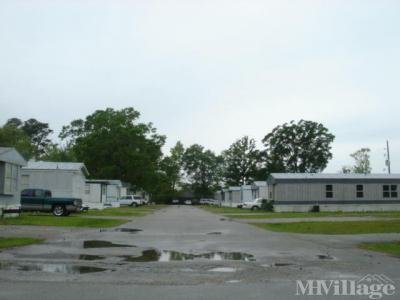 Mobile Home Park in Cleveland TX