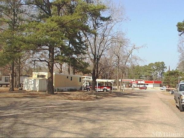 Photo of Woodcrest Mobile Home Park, Tyler, TX