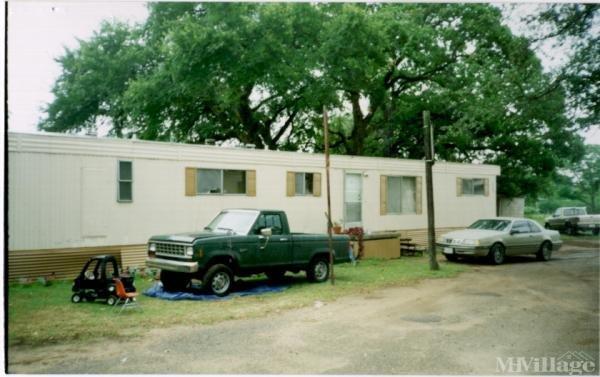 Photo of Woodland Terrace Mobile Home Park, Waco, TX