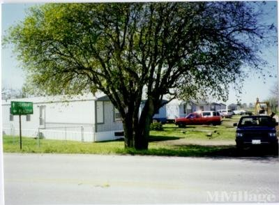 Mobile Home Park in Bloomington TX