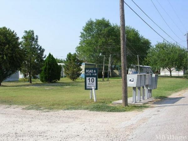 Photo of Royal Oaks, Academy, TX