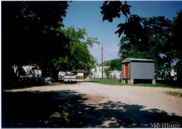Photo of Lakeway Villa Mobile Home Park, Belton, TX