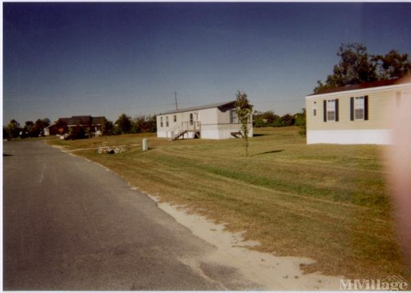 Photo of Howard Mobile Home Park, Lake Dallas, TX