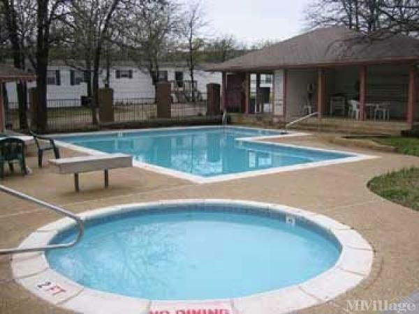 Forest Glen Manufactured Home Community Mobile Home Park in Fort Worth, TX