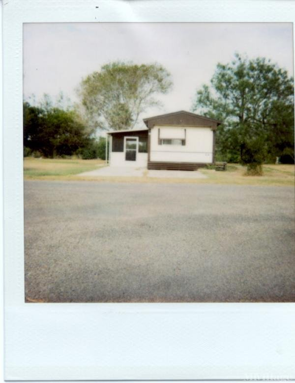 Indian Lake Mobile Home Park in Los Fresnos, TX