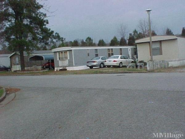 Holiday Mobile Home Park Mobile Home Park in Richmond, VA
