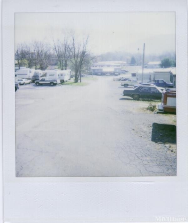 Photo of Hollins Mobile Home Park, Roanoke, VA