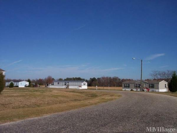 Photo of Newton Run Mobile Home Park, Fuquay Varina, NC