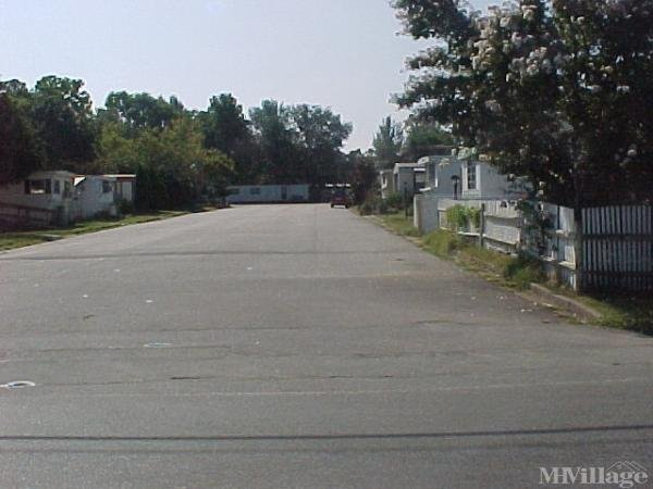 Photo of Mobile Towne Mobile Home Park, Richmond, VA