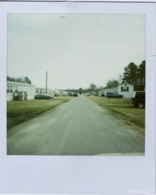 Photo of Oaks Mobile Estates, Windsor, VA