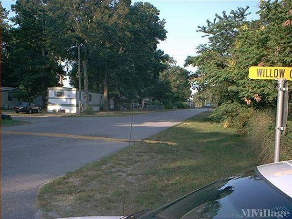 Photo of Red Oaks Mobile Community, Smithfield, VA