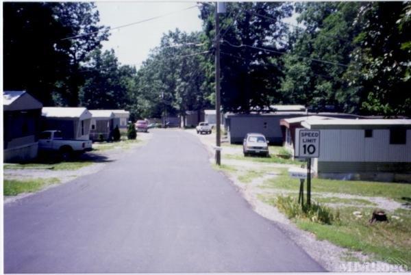 Photo of Woodlawn Mobile Home Village, Waynesboro, VA