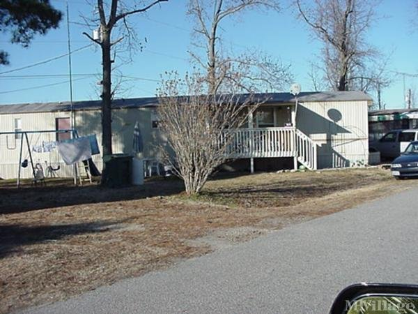 Photo of Country Aire Mobile Home Park, Prince George, VA