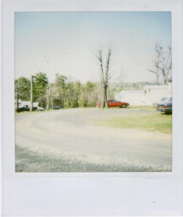Photo of Oakgrove Mobile Home Park, Bassett, VA