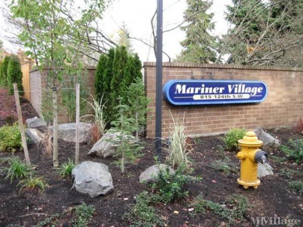 Mariner Village Entrance