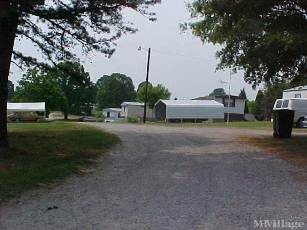 Photo of Ellis Mobile Home Park, Statesville, NC