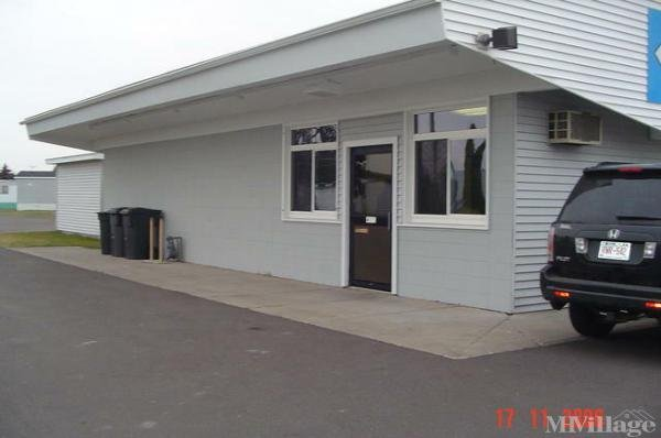 Photo of Homecroft Mobile Home Park, Superior, WI