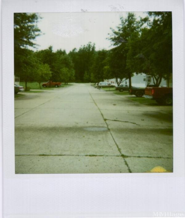 Ryanwood Village Mobile Home Park in Parkersburg, WV