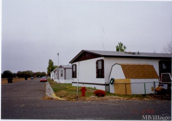 Royal Village Mobile Home Park in Powell, WY