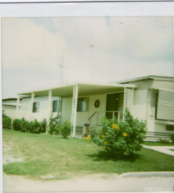 Villa Los Reyes Mobile Home Community Mobile Home Park in San Benito, TX