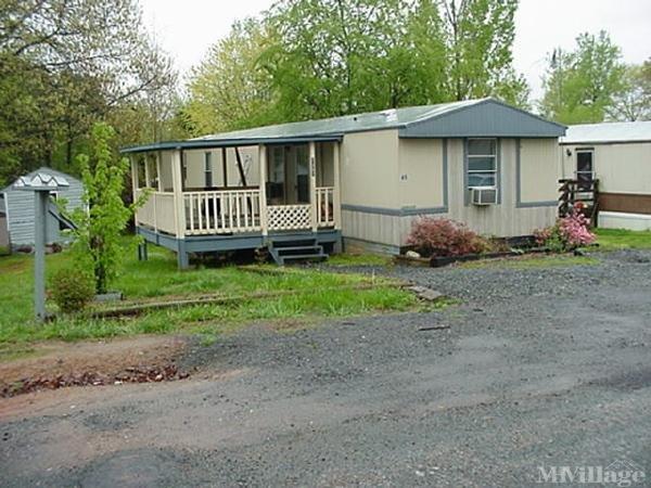 Photo of Ridgewood Mobile Home Park, Charlottesville, VA