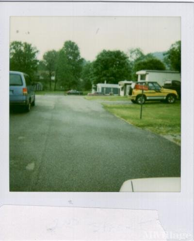 Mobile Home Park in Saint Marys WV