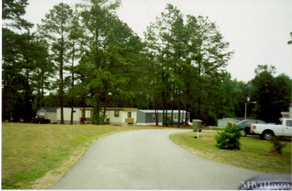 Photo of Ponderosa Mobile Home Park, Clayton, NC