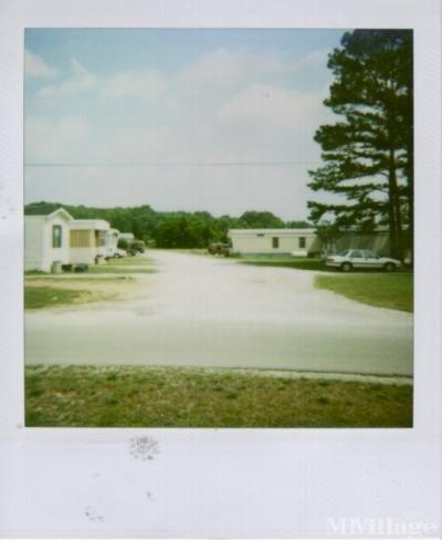 C B S Trailer Court