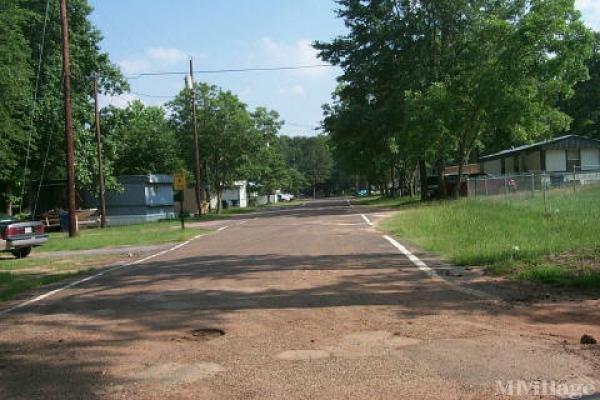 Photo of Pine Crest Mobile Home Park, White Oak, TX