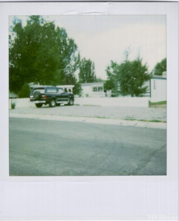 Neighborhood Squares Mobile Home Park in Lander, WY