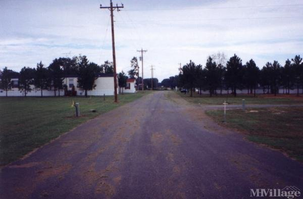 Photo of Rushing Mobile Home Park, Register, GA