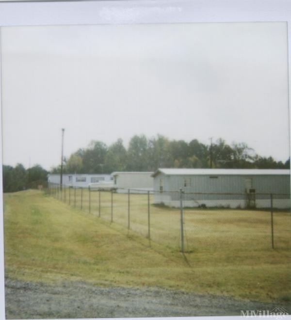 Photo of Woods Mobile Home Park, Elon, NC