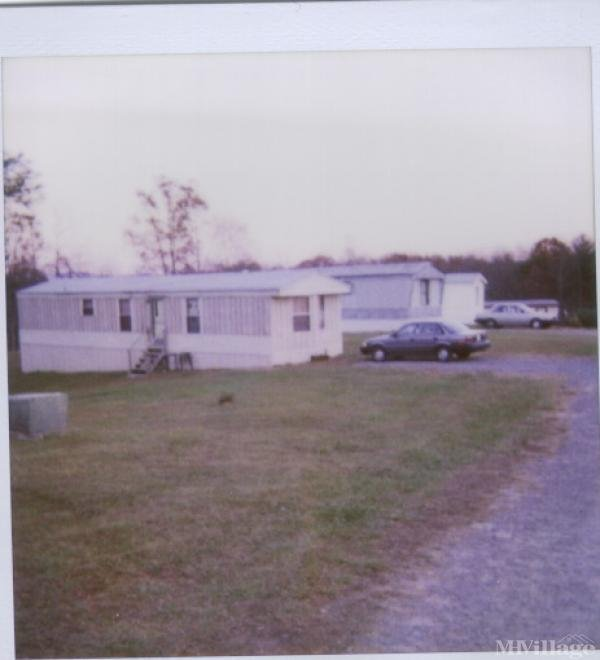 Photo of Country Living Mobile Home Park, Mount Airy, NC