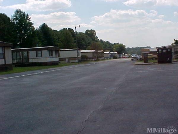 Photo of Woodland Mobile Home Park, Hickory, NC