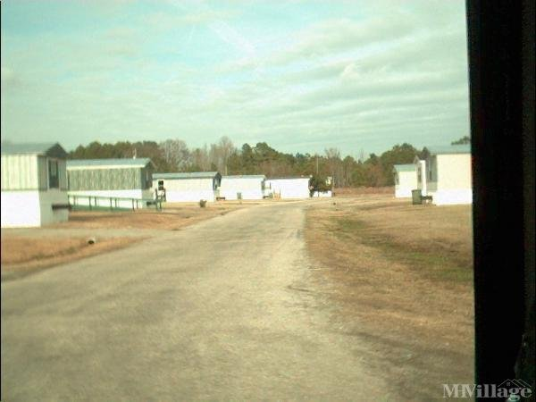Photo of Lone Pine Mobile Home Park, Tarboro, NC
