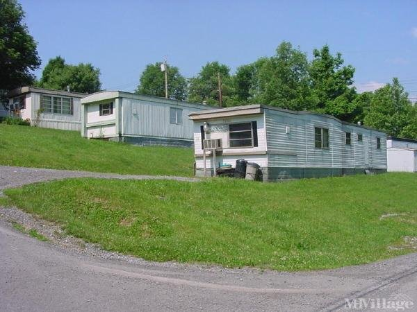 Woodland Terrace Mobile Home Park in Morgantown, WV